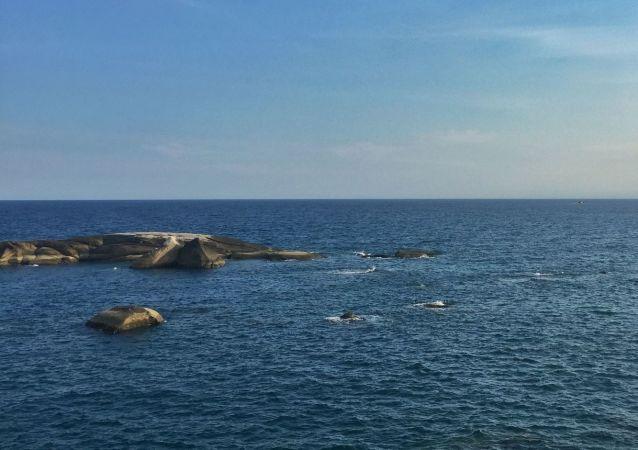 中国外交部:中方在南海中国管辖海域作业合法合理