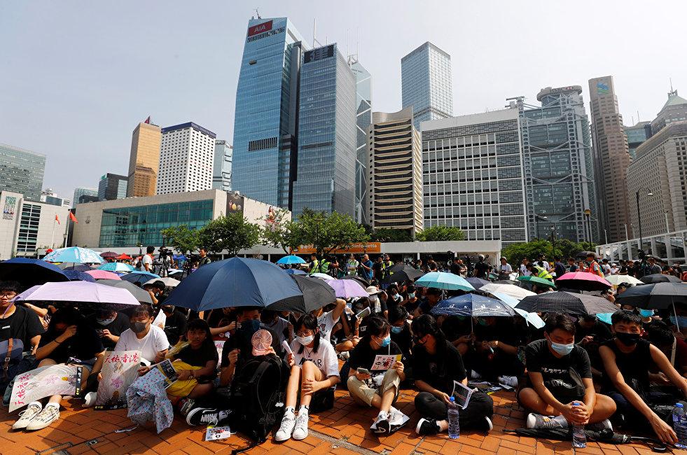 香港中小学生加入抗议队伍