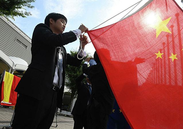 商務部新聞發言人就中國在世貿組織起訴美國對3000億美元中國輸美產品徵稅措施發表談話