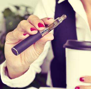 美國約200人因吸食電子煙患病