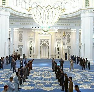 欧洲最大白色大理石清真寺正式开放