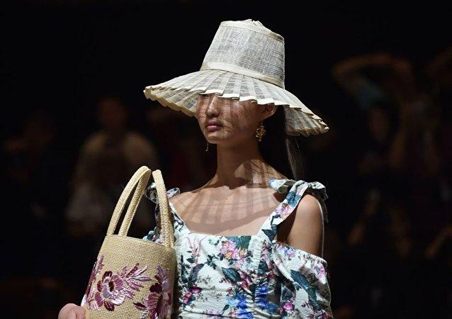 中国设计师赴美参加纽约时装周遭拒签