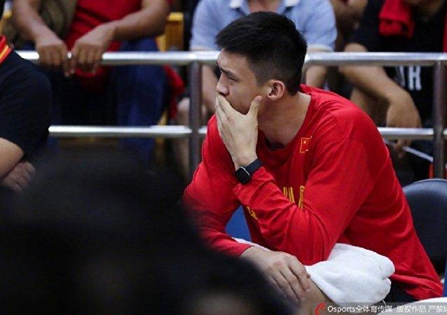 中国篮球队:前锋周鹏因骨裂无缘即将开赛的2019男篮世界杯
