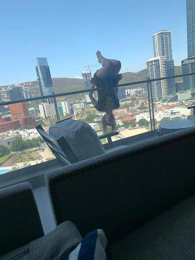 墨西哥女孩倒掛陽台做瑜伽墜樓