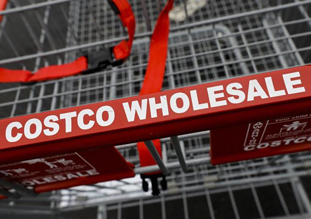 開市客超市中國首家門店開業頭天因擁擠被迫關閉