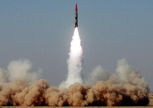 巴基斯坦成功試射能攜帶核彈頭的「加納維」導彈