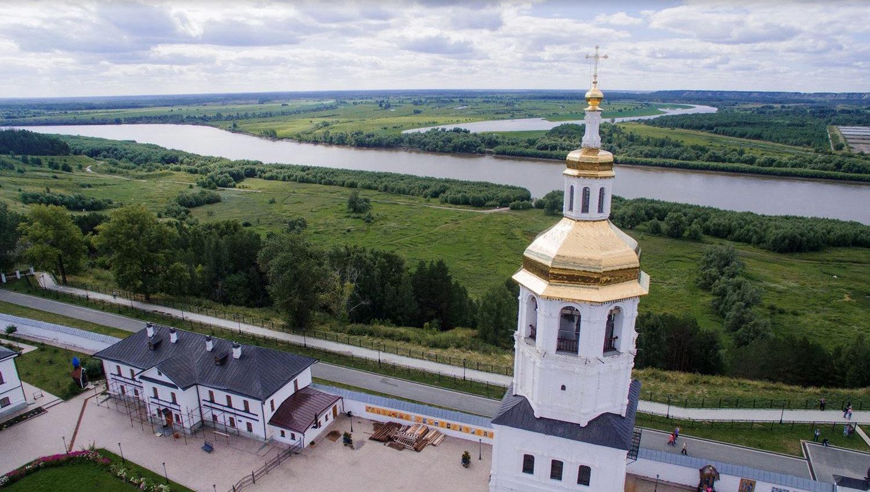 托博尔斯克市,从阿巴拉克斯基男子修道院看额尔齐斯河景色