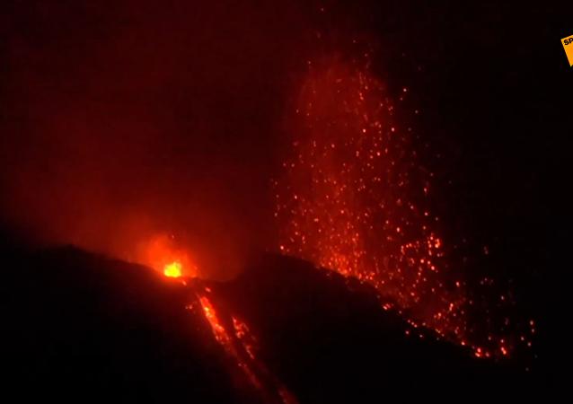 意大利發生強烈的火山爆發