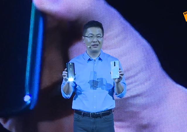 红米全球首发6400万像素手机