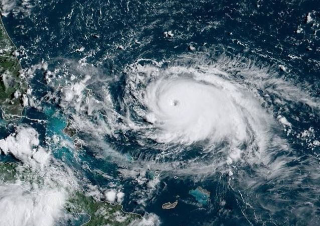 美國氣象工作者:颶風多里安達到最高級五級