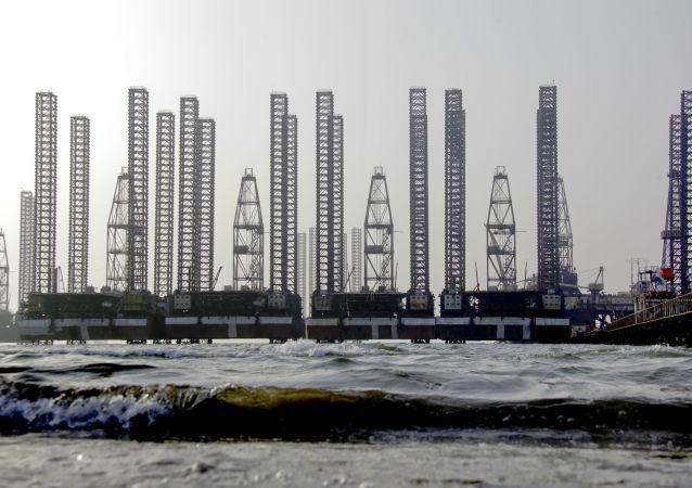 裡海南部油田中的油氣資源