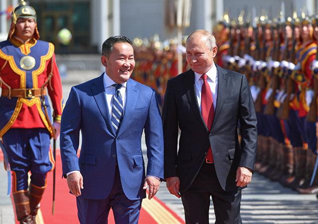 蒙古国总统接受普京邀请将出席明年胜利日活动