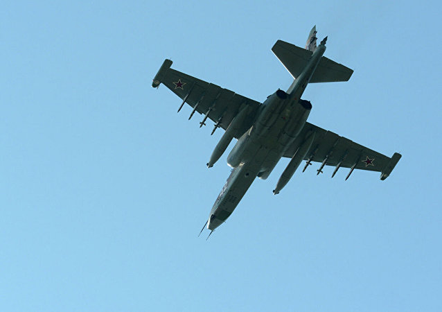 苏-25UB强击机
