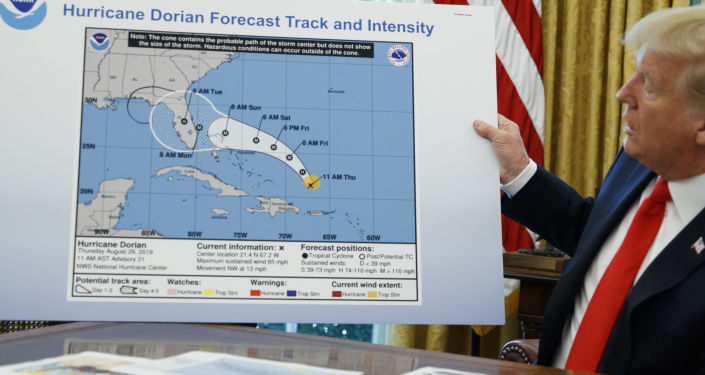 特朗普用不正确的飓风地图吓坏美国人 (图片)