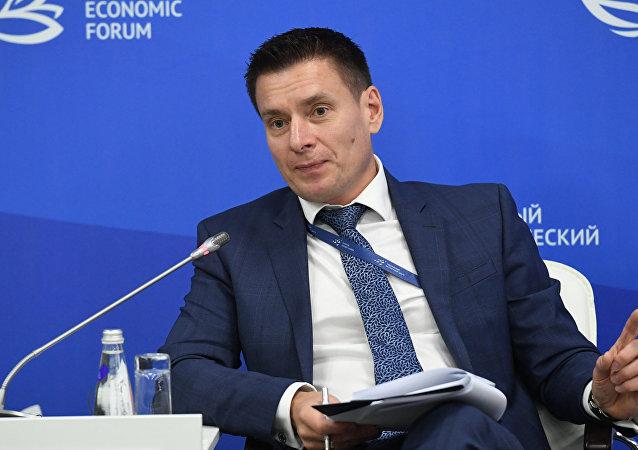 卫星通讯社在东方经济论坛框架下对出口中心总经理安德烈·斯列普尼奥夫