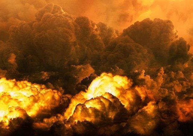 伊朗油輪在沙特海岸附近起火可能是因為被兩枚導彈擊中