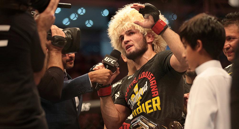 哈比卜擊敗波伊里爾奪得UFC金腰帶