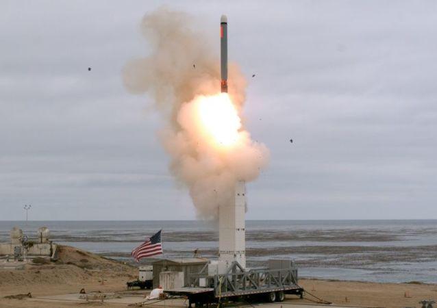美国导弹发射