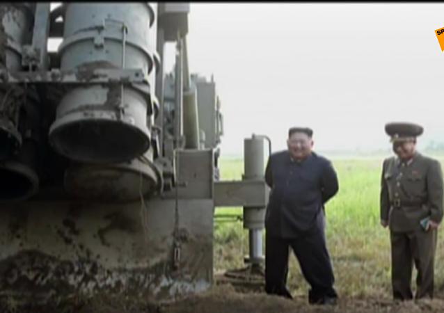 金正恩親臨超大型齊射火箭炮試射現場