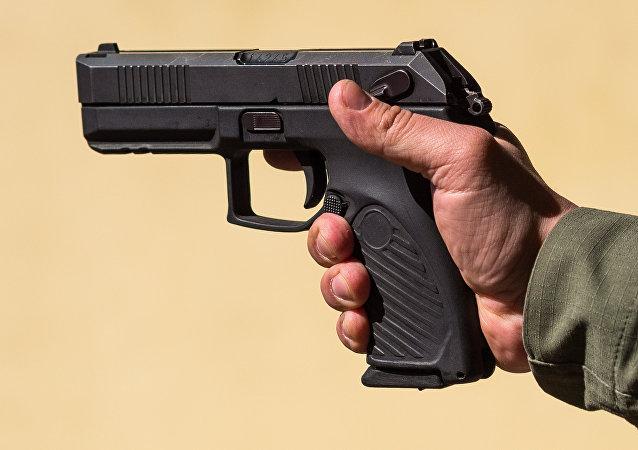 俄「蟒蛇」手槍