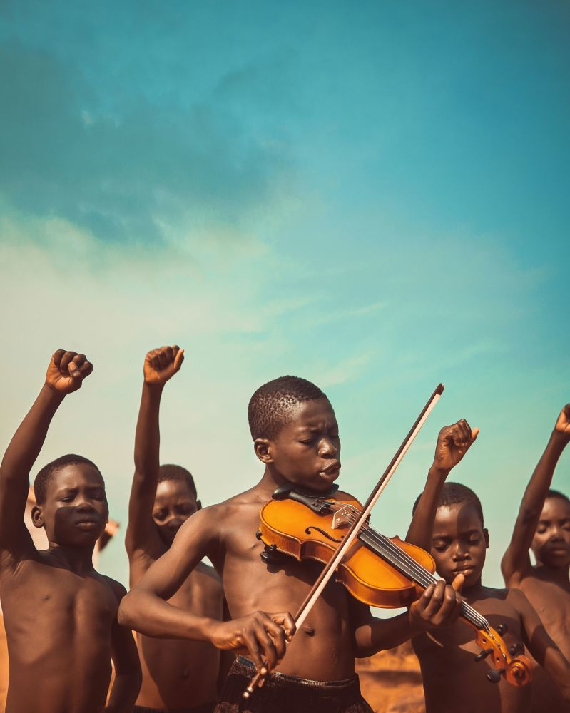 自由之歌。作者:Michael Aboya(加纳)。