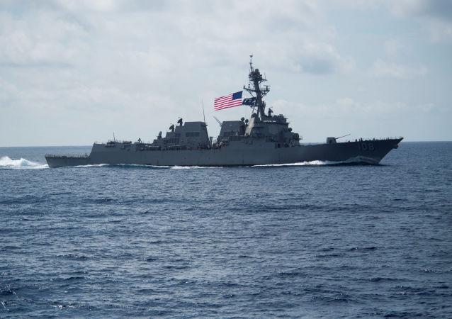 美国海军韦恩·迈耶号(Wayne Meyer)驱逐舰