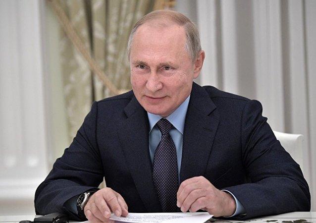 普京:俄中关系在国际事务中举足轻重