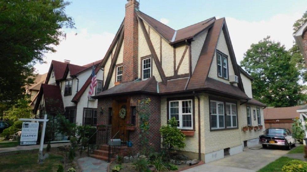 特朗普童年居住的纽约老宅公开拍卖