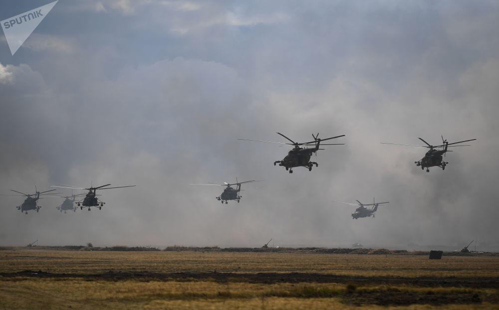 来自八个国家的约12.8万名军人参加了此次大规模演习。