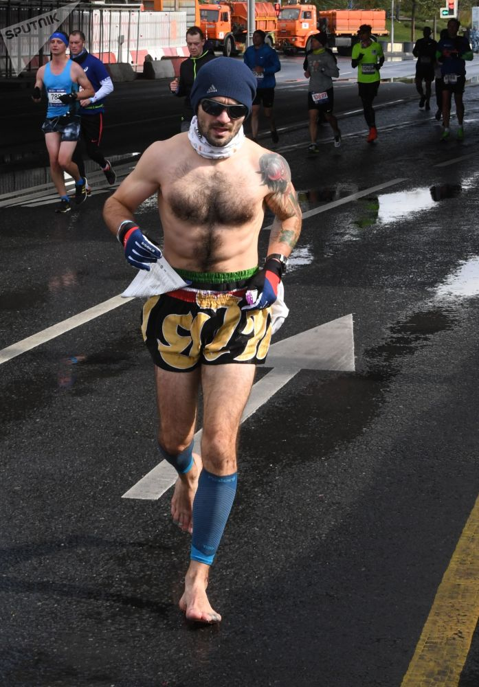 当天气不是问题时,莫斯科第七届马拉松赛是如何举行的