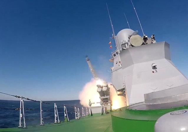 發射X-35「天王星」巡航導彈
