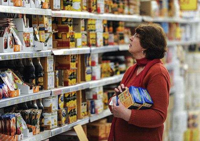 民调:大多数俄公民在购买商品和服务时选择困难
