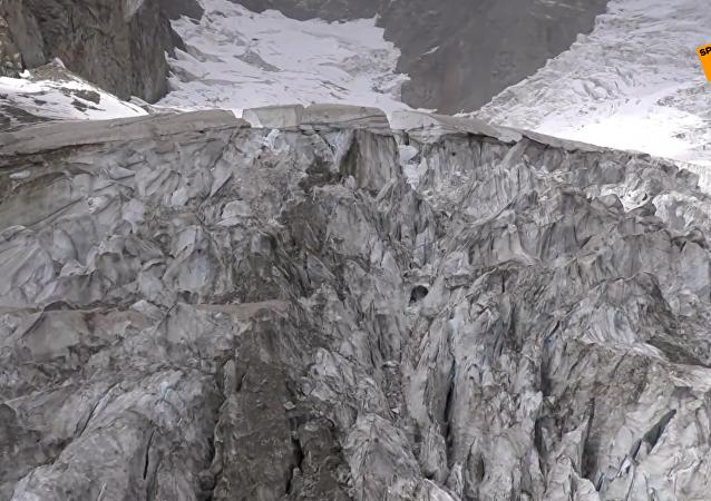 意大利勃朗峰冰川面臨崩塌危險