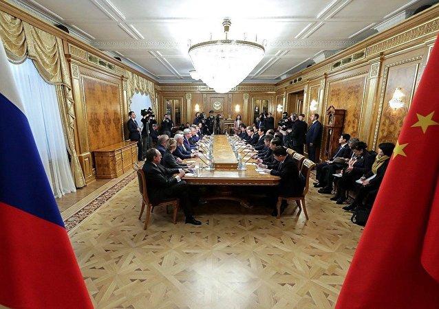 俄国家杜马主席:期望俄中议会间关系将不断发展