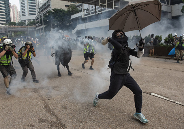 香港警方强烈谴责暴力破坏行为