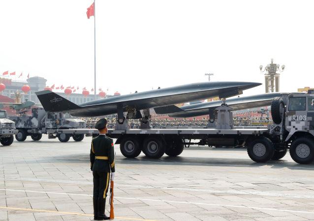 WZ-8 сверхзвуковой разведывательный беспилотник на военном параде в честь 70-летия образования КНР в Пекине