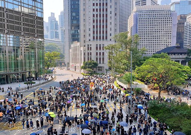 香港政府:谴责袭击立法会议员行为 将深入调查