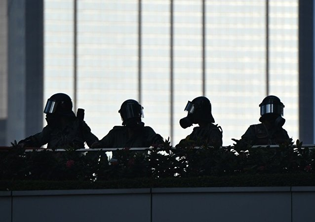 """香港警方否认""""攻入""""香港理工大学"""