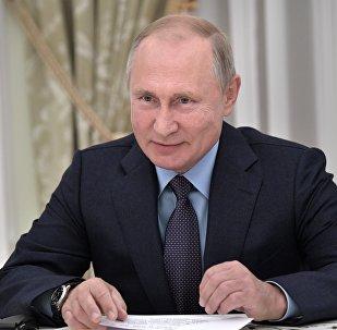 普京向习近平发贺电祝贺俄中建交70周年
