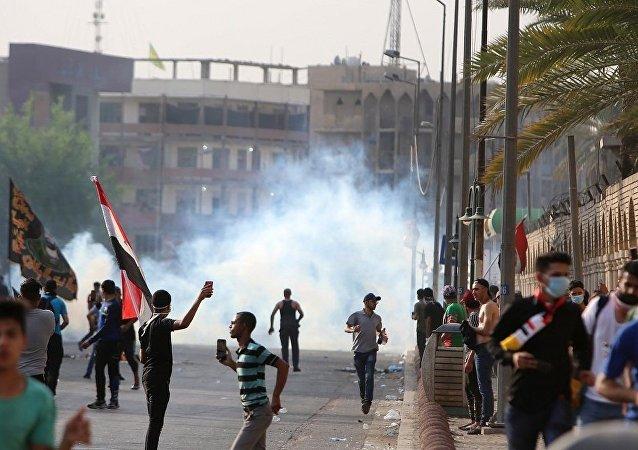 巴格達抗議活動遭驅散期間至少15人受傷