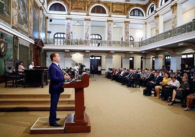 俄总理:委内瑞拉内部问题应由该国自己解决