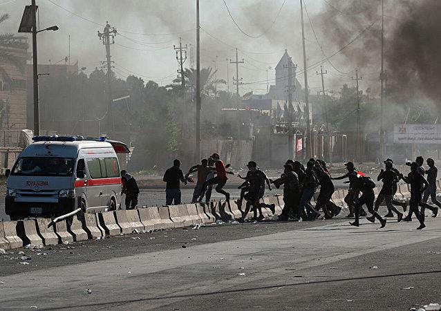 媒體:伊拉克首都6日晚的抗議活動造成至少15人死亡