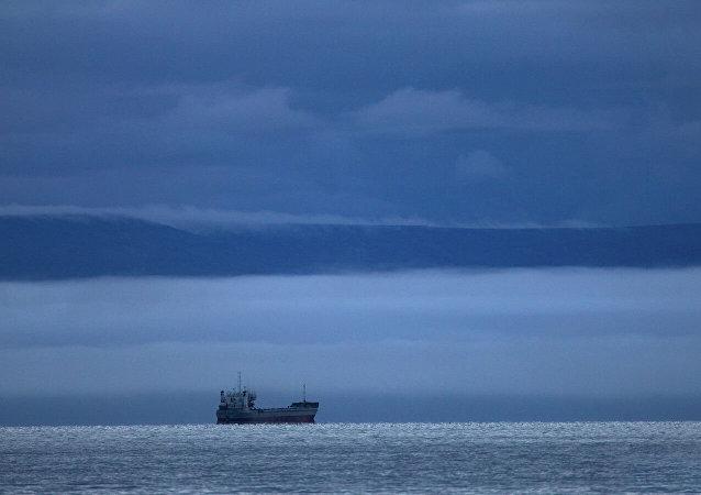 俄中和瑞典联合考察队发现整个北方海路遍布微塑料颗粒
