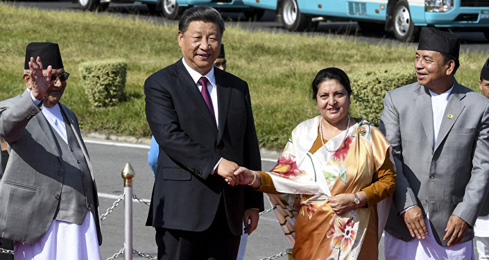 中印決定不談政治