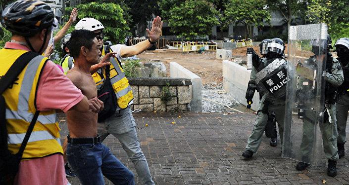"""香港将成立""""特务警察队""""加入防暴工作"""