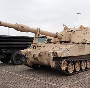 參加「大西洋決心」行動的軍用車輛卸港