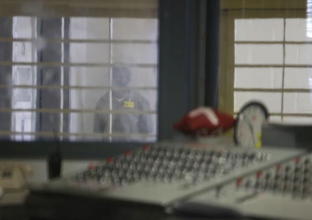 世界最大監獄——賴克斯島監獄中的囚犯