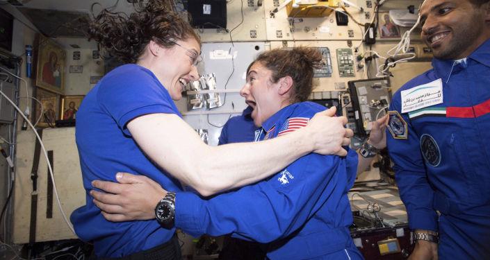 航员已经解决国际空间站美国舱段厨房短路问题