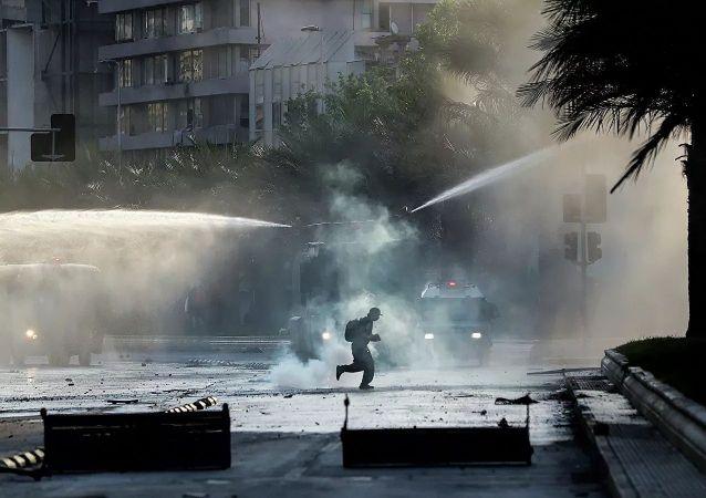智利抗议者