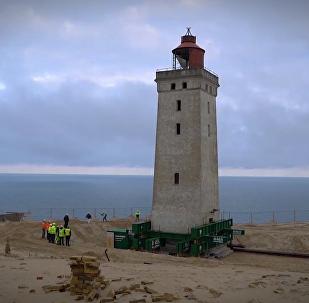 丹麥燈塔遭海水侵蝕被迫「搬家」